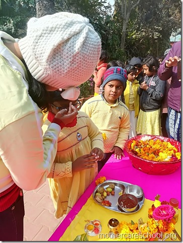 Basant Panchmi celebrations at Mothercare School Lucknow (6)