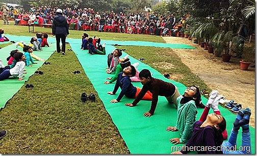 Kids doing Yoga at Mothercare Sportsfest (9)